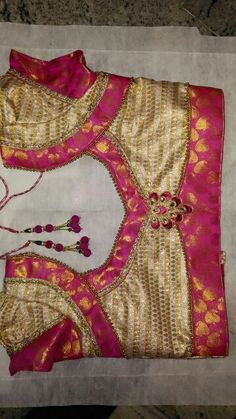 Brocade Blouse Designs, Pattu Saree Blouse Designs, Simple Blouse Designs, Blouse Back Neck Designs, Stylish Blouse Design, Choli Designs, Designer Blouse Patterns, Thread Jewellery, Neck Pattern