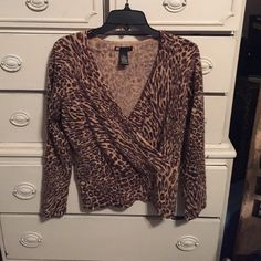 Carole Little leopard print wool sweater sz M Bundle 3 or more items and save an additional 15%.  Much more value to offset the shipping charges! Carole Little Sweaters