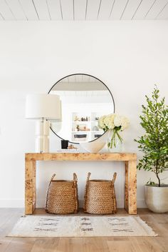 Beautiful modern entryway with console table and round mirror - #entry #foyer #home #style Decor, Matching Furniture, Furniture Decor, Furniture, Creating An Entryway, Studio Mcgee, Interior Design, Interior Spaces, Home Decor