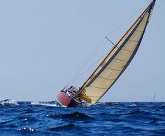 "6KR SY ""Caprice"" in full sail #sailing #segeln #classicyacht #woodenboat #sailboat #1963 #balticsea #ostsee #coasting #denmark #germany #blue #seaside #instasea #instasail #like4like #instadaily #instafollow #canvas #classy #instaclassy #vintage by yvesloerke"