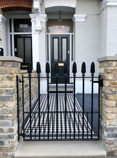 Victorian and Edwardian front garden design and restoration anewgarden Victorian Front Garden, Victorian Front Doors, Victorian Terrace, Victorian Tiles, Front Garden Entrance, Front Gates, House Entrance, Terrace House Exterior, Balcony Grill