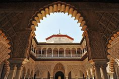 Alcazar Seville, Lions Gate, Mood Images, Spanish Royal Family, Royal Palace, Gothic Architecture, 14th Century, Best Artist, Narnia