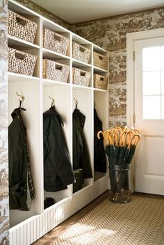 The key to a  tidy mudroom is to have it well organized – a place for everything and everything in its place. Hadely Court Interior Design | Mudroom Organization  #entryway #hallway #interiordesign