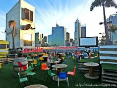 Outdoor Cinema, Outdoor Theater, Outdoor Furniture Sets, Outdoor Decor, Dolores Park, Night, Places, Movies, Travel