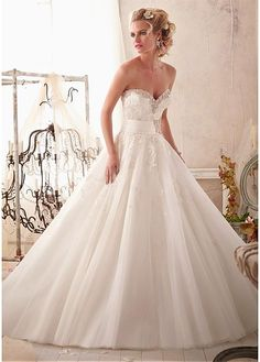 CHARMING TULLE SATIN SWEETHEART NECKLINE NATURAL WAISTLINE BALL GOWN WEDDING DRESS SEXY LADY LACE FORMAL PROM