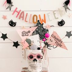 Halloween Hair Clips, Pink Halloween, Halloween Goodies, Halloween Items, Halloween Ghosts, Holidays Halloween, Halloween Party, Halloween Decorations, Favorite Holiday