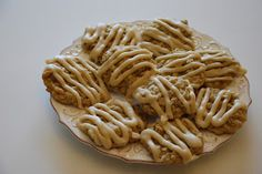 Everyday Insanity...: Soft Oatmeal Cookies with Browned Butter Frosting