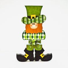 Leprechaun w/boots wood craft