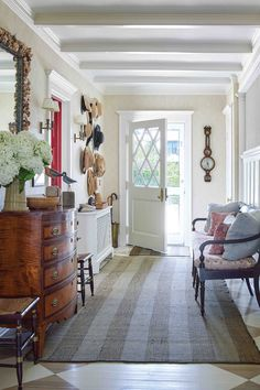 Victoria Magazine, Entryway Tables, Foyer, Victorian Cottage, Cozy Kitchen, Relax, Summer, Furniture, Pools
