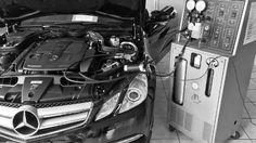 Servizio di manutenzione impianto aria condizionata.