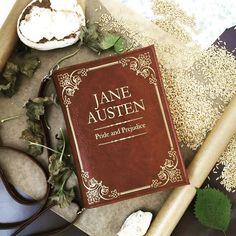 #prideandprejudice #bookbag by #krukrustudio #janeausten #bookpurse #janeaustenfan #bookclutch #fauxleatherbag