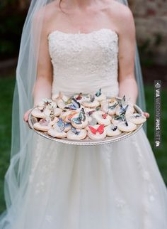 butterfly cookies | CHECK OUT MORE IDEAS AT WEDDINGPINS.NET | #weddingfavors
