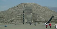 México: Teotihuacan. Pirâmide da Lua