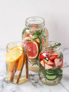 Easy Detox Your Body - Cleanse, Tea, Water, Recipes Infused Water Recipes, Fruit Infused Water, Infused Waters, Healthy Eating Tips, Healthy Nutrition, Yummy Drinks, Healthy Drinks, Healthy Water, Dinner Healthy