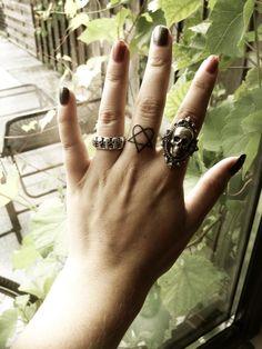 Finally got this Heartagram tattoo on my finger today c: #HIM #heartagram #tattoo