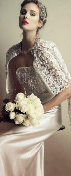♕BOUTIQUE CHIC♕ wedding dress. Lace. Bridal gown