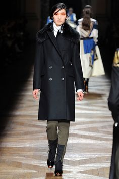 Dries Van Noten Fall 2012 Ready-to-Wear Collection Slideshow on Style.com
