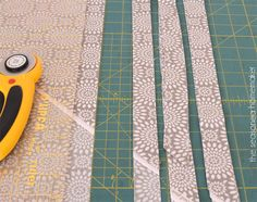 Bias Tape Tutorial: Making Bias Tape is easier than you think. Once you learn this simple sewing technique you will never purchase bias tape again. Diy Sewing Projects, Sewing Hacks, Sewing Tutorials, Sewing Patterns, Sewing Tips, Make Bias Tape, Bias Tape Maker, Quilt Binding, Sewing Accessories