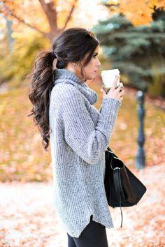 Ecco le acconciature ideali da sfoggiare quando scegliete un maglione a collo alto #HairStyle #outfit