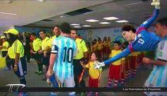 NOTICIA DE ÚLTIMO MINUTO: Memo Ochoa se lanza para saludar al niño ignorado por Messi. pic.twitter.com/qWoqfrKsNK