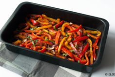 Geroosterde paprika uit de oven Cooking Recipes, Healthy Recipes, Healthy Food, Goulash, Ratatouille, Green Beans, Tapas, Bbq, Paleo