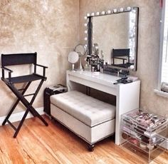 Dressing Room Decor! | Fashion, Beauty & Style Blogger - Pippa O'Connor - idea for guest room