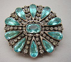 VICTORIAN SILVER & AQUAMARINE PASTE CLUSTER BROOCH