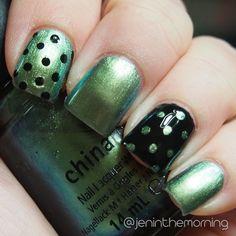 Duochrome Dots  China Glaze – Unpredictable Sinful Colors – Black on Black #nail #nails #manicure #dotticure