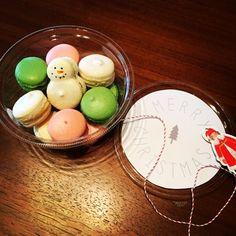 holiday macaron packaging