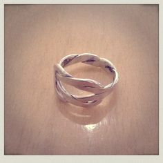 Silver Knot ring: By