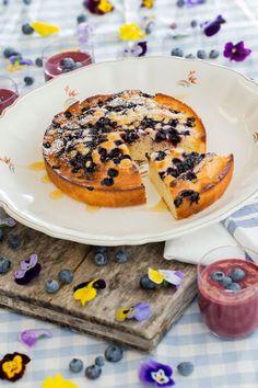 Mehevän pohjan salaisuus on piimässä. Finnish Recipes, Good Food, Yummy Food, Fabulous Foods, Something Sweet, No Bake Desserts, No Bake Cake, Food Inspiration, Bread Recipes