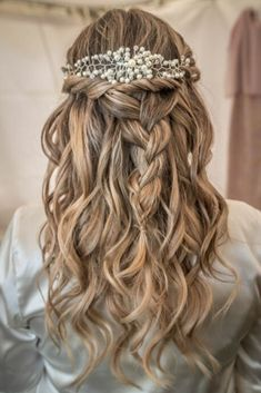 Hair Styles, Fashion, Head Bands, Romantic Hairstyles, Bridal Hairstyles, Hair, Long Cornrows, Hair Combs, Simple Wedding Gowns