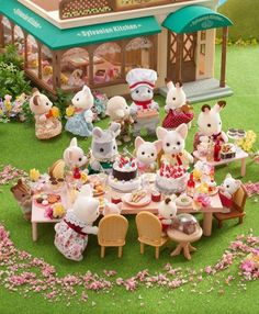 Sylvanian Families, Mini Things, All Things Cute, Calico Critters Families, Family World, Mini Doll House, Family Picnic, Cat Doll, Little Doll