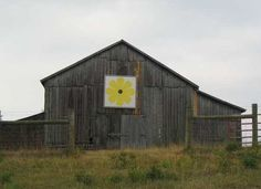 Stuff Found in Old Barns   Quilt Barn   Old Barns & Other Old Things   Pinterest