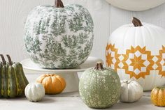 Toile Decoupage Pumpkin from Country Living- use white pumpkin or spray paint pumpkin white. Cut out around toile pictures, and decoupage each picture to the pumpkin creating a beautiful no carve pumpkin decor! Halloween Chic, Holidays Halloween, Halloween Pumpkins, Halloween Crafts, Halloween Decorations, Fall Pumpkins, White Pumpkins, Halloween Halloween, Halloween Lanterns
