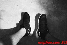 new kung fu at the foot of walking! Best Sneakers, All Black Sneakers, Popular Sports, Workout Shoes, Half Price, Sports Shoes, New Balance, Vans, Adidas