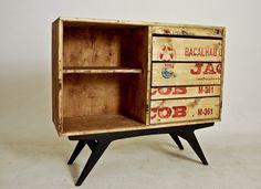 Restauração de Móveis de Época : O que fazer com uma caixa de bacalhau?