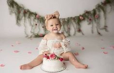 Ideas for birthday photoshoot outfits smash cakes Smash Cake Girl, 1st Birthday Cake Smash, Baby Girl 1st Birthday, Cake Smash Cakes, Fruit Birthday, Birthday Cakes, Birthday Gifts, Cake Smash Photography, Girl Photography