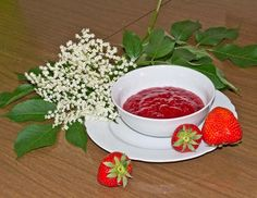Erdbeer-Holunderblütenmarmelade Rezept