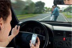 Evita multas por hablar con el móvil desde solo 4€   Las multas por ir hablando por teléfono mientras se conduce están hoy a la orden del día. No nos quitamos el móvil para nada, por tanto, ¿por qué íbamos a dejar de usarlo cuando conducimos? La respuesta es sencilla pero