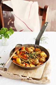 Salteado de patatas, zanahorias y espárragos | Claudia & Julia