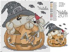 Free Halloween Cross Stitch Pattern                                                                                                                                                     Más