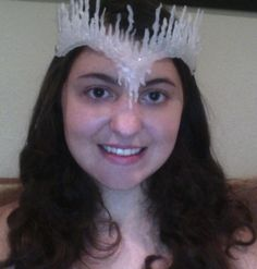 Fun DIY for a ice crown, really easy to make!  Idea from http://www.youtube.com/watch?v=pYW0DR-NFVw