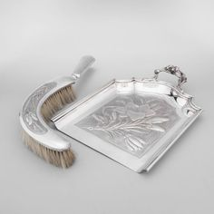 Silver Plated Table Crumb Brush And Tray. Early 20th Century   Expertissim