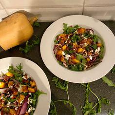Salade tiède à la courge - michelerousseaudtp Valeur Nutritive, Posts, Blog, Recipes, Balsamic Vinegar, Goat Cheese, Eruca Sativa, Main Course Dishes, Parchment Paper Baking