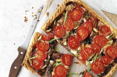 Vegetarian Christmas menu - Starter: Brie, tomato and tarragon tart - goodtoknow Tart Recipes, Brunch Recipes, Cooking Recipes, Budget Recipes, Savoury Recipes, Vegetarian Christmas Menu, Puff Pastry Chicken, Budget Family Meals, Savory Pastry