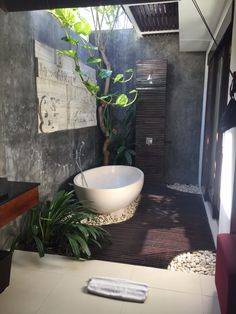 Bali villa bathroom | outdoor bathroom inspiration by COCOON | sturdy stainless steel bathroom taps | bathroom design & renovation | villa & hotel design | Dutch Designer Brand COCOON