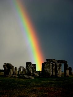 Rainbow at Stonehenge England Stonehenge, All Nature, Amazing Nature, Places Around The World, Around The Worlds, Beautiful World, Beautiful Places, Skier, Rainbow Sky