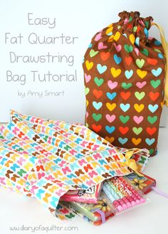 Easy Fat Quarter Drawstring Bag Tutorial - easy learn to sew pattern Sewing Hacks, Sewing Tutorials, Sewing Crafts, Sewing Projects, Sewing Patterns, Purse Patterns, Craft Projects, Drawstring Bag Pattern, Drawstring Bag Tutorials