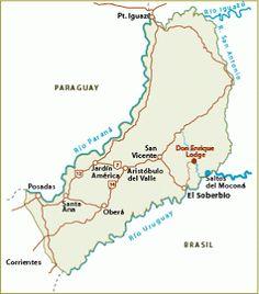 En una región de sierras y cascadas, una falla geológica divide en dos el cauce del río Uruguay y genera el maravilloso espectáculo de los Saltos del Moconá.